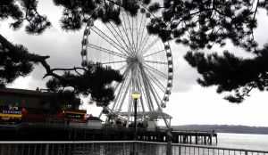 Ferris Wheel Over Elliot Bay by LEXLOTHOR