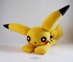Pikachu Plush by SailorMiniMuffin