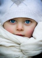 Junior blue eyes by handesengun
