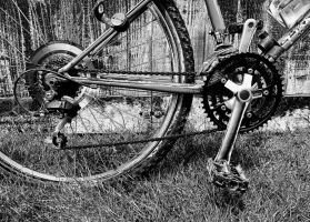 CHAIN AND CRANK by martiuk