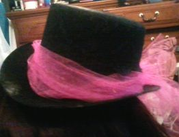 Mini tophat pink tulle(side) by Rainbowkitty-Designs