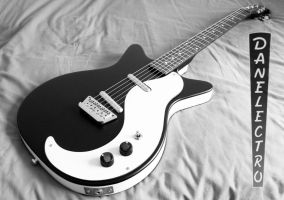 Danelectro DC-59 by Rovanite
