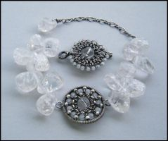 crystal quartz bracelet by annie-jewelry