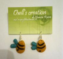 bee's earrings - fimo by Owlnuny