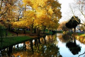 Late autumnal beauty at Utrecht by Esperimenti