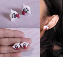 Boo earrings by LayzeMichelle