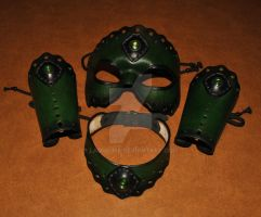 leather mask and bracers by Lagueuse