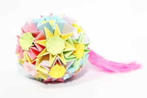 kusudama the dance of the fireflies by leezarainboeveins