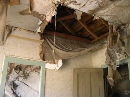 Rotted out ceiling by Idelen