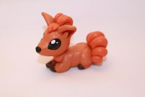 Mini Vulpix by Kauritsuo