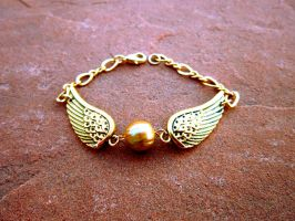 Golden Snitch Bracelet Variant 2 by Key-Kingdom