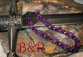 Magenta and Black Rose Chainmail Bracelet by Utinni