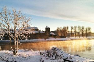 Enniskillen Castle in the Snow by mole2k