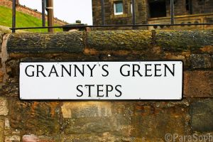 Granny's Green Steps by ParaSoph