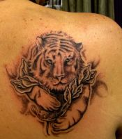 Tiger with flowers by flyingants