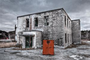 Derelict Back HDR (single exposure) by madmoonhowl