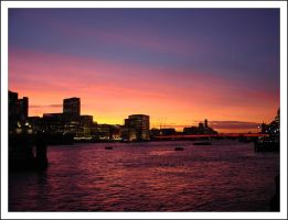 Sunset on the River Thames by lexxi