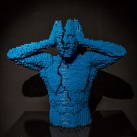 14-10 London - Art of Brick - Cracked by evionn
