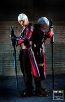 Dante vs DanteDoppelganger Cosplay in Roma Comics by LeonChiroCosplayArt