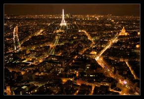 Paris by Night by p0rphyrogene