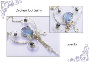 Broken Butterfly by amorfia