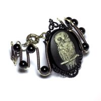 Steampunk Goth Jewelry - Bracelet - Owl Cameo by CatherinetteRings