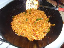 Fried Noodles by Gexon