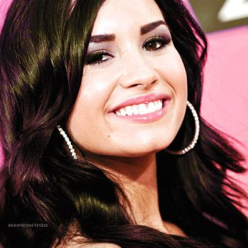 + perfect lovato by ohlovatocyrus
