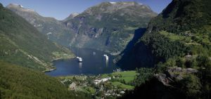 Geirangerfjord Pano by danporter