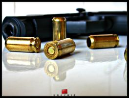 gun. by tiffgraphic
