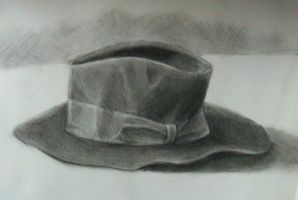 charcoal hat by Yoccuri