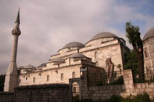 a mosque in istanbul by lydelodia