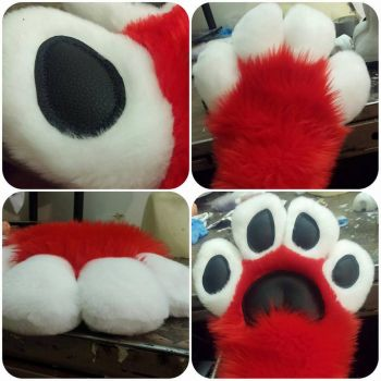 hand paws example by wolvescanlove