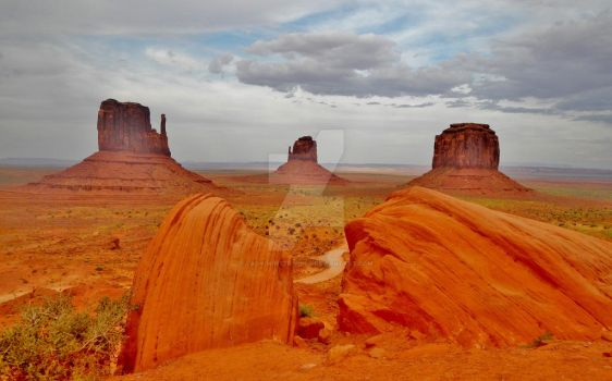 Monument Valley by Lady-Winter-Wolf