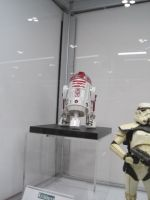 R2-D2 Statues by WhiteFox89