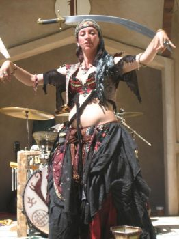 Balancing Belly Dancer by Vectriss