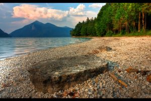 Dreamlake gravel beach by sylaan
