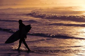 Surfers Paradise by AndyThi