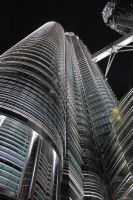 Under the petronas towers by qruzie