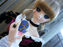 Beatrice and Eiserne Jungfrau by papelshop