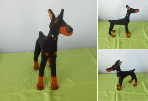 Doberman by missdolkapots