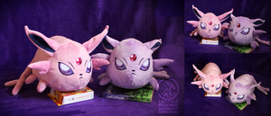 Espeon polochon-style custom plush by Peluchiere