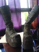 Megaton settler boots 1 by Zaxnot