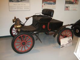 1903 Curved Dash Oldsmobile by Aya-Wavedancer