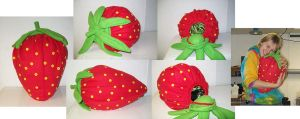 Strawberry Bag by FehFeh13