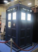 TARDIS at Comic Con 2011 2 by EspioArtworks