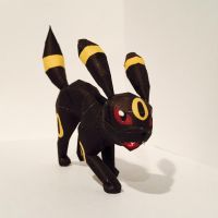 Umbreon Papercraft by Twizz3985