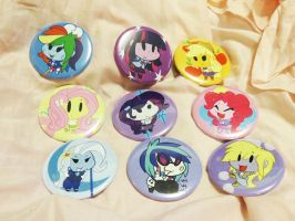 Equestria Girl Buttons by buttsnstuff