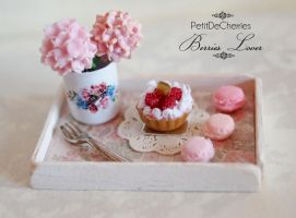 Ms. Berries Lover by PetitDeCherries