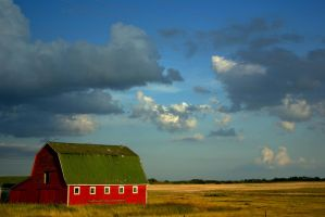 The Red Barn at Sunset by bulloney
